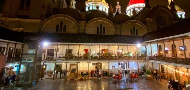 La capital azuaya quiere recuperar en estas fiestas lo perdido durante el paro nacional. Foto: @Visit_CuencaEC