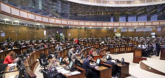 QUITO, Ecuador.- Hasta el momento, suman 50 las intervenciones de los legisladores. Foto: Asamblea Nacional