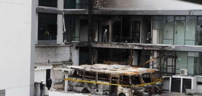 Un incendio consumió parte del edificio de la Contraloría el pasado 12 de octubre. Foto: API