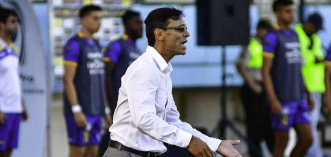 El entrenador del Delfín asegura que debió haber más comunicación por parte de la FEF. Foto: API