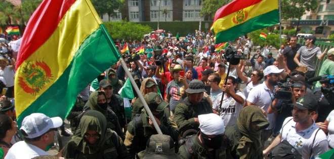Evo Morales convoca a diálogo en una Bolivia bajo tensión máxima. Foto: AFP