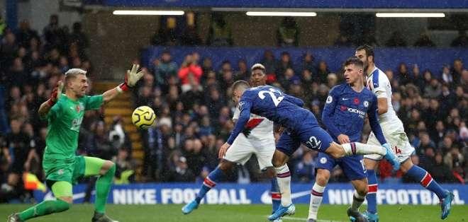 Jugada del partido de este sábado. Foto: Twitter Chelsea.