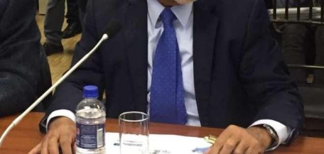 QUITO, Ecuador.- Pérez acudió este lunes 11 de noviembre a comparecer ante una comisión de la Asamblea.