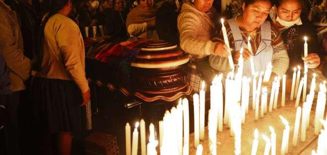 Varios fallecidos murieron por bala en Bolivia. Foto: AP