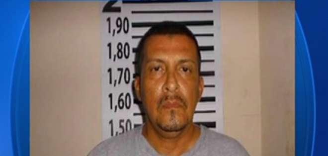 Danilo Agustín Flores Rodríguez de 55 años fue hallado baleado y quemado en vía a la Costa. Foto: Captura