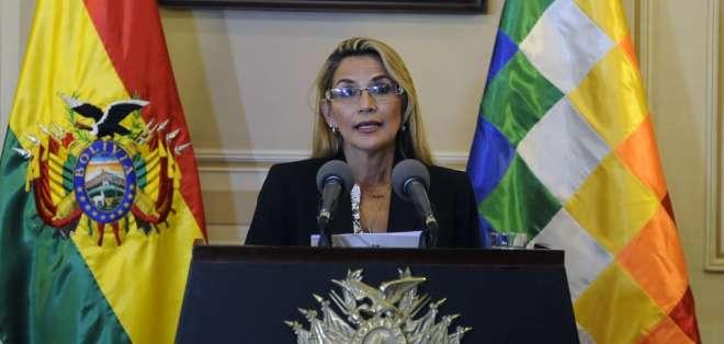 La mandataria Jeanine Áñez dijo que proyecto puede ser perfectible. Foto: Archivo AFP