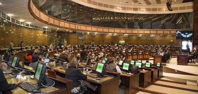 Propuesta mantiene eliminación de anticipo de Impuesto a la Renta de empresas. Foto: Archivo Asamblea