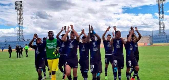 Jugadores de Independiente Juniors, luego de un partido.
