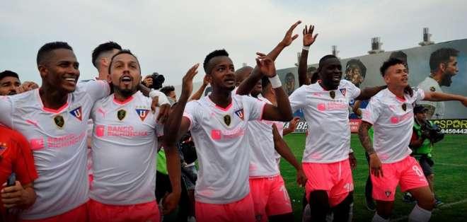 Los 'albos' no tienen bajas y pondrían su mejor equipo ante la Universidad Católica. Foto: Tomada de @LDU_Oficial