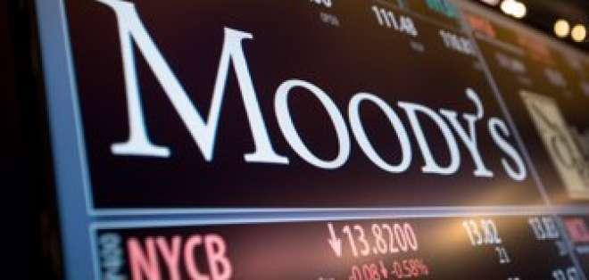 Moody's baja calificación de Cuba