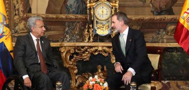 El Rey Felipe estuvo acompañado por la ministra de Defensa en funciones, Margarita Robles Fernández. Foto: Presidencia