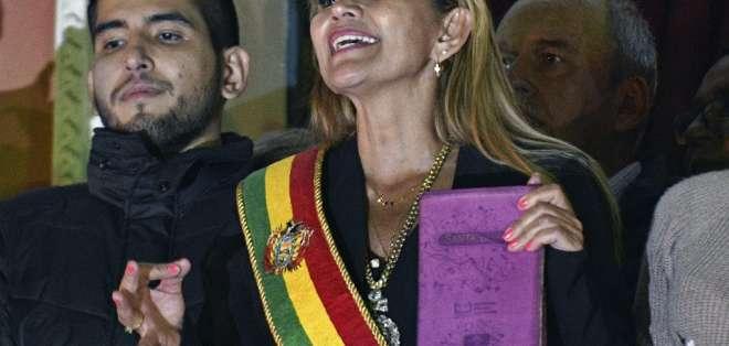 Así lo anunció la presidenta interina, Jeanine Áñez. Foto: AIZAR RALDES / AFP