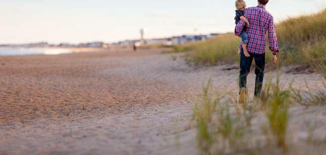 """Padres buscan que se limite el calentamiento climático para dar a sus hijos """"el futuro que merecen"""". Foto: Pixabay/Referencial"""