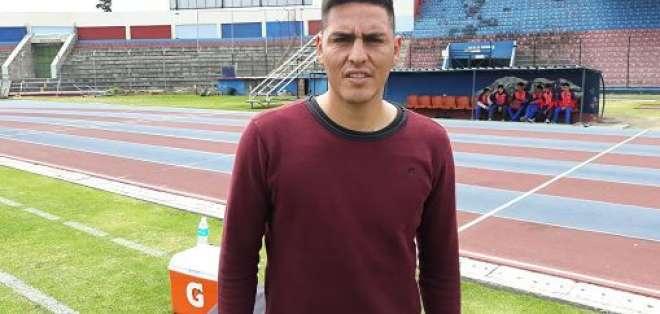 Ángel Viotti, zaguero argentino.