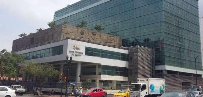 Fachada de la Corte del Guayas, donde se desarrolla audiencia de apelación a sentencia. Foto: Fiscalía