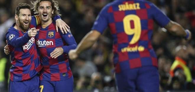 Messi celebra junto a sus compañeros del FC Barcelona.