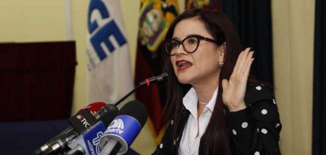 La fiscal del caso Carolina A.,  Alejandra Sigcha, durante una rueda de prensa. Foto: API