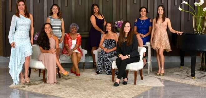 GUAYAQUIL, Ecuador.- Nueve mujeres fueron galardonadas.