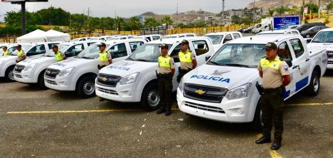 Imagen de archivo que muestra algunas de las camionetas para el patrullaje de Guayaquil. Foto: API
