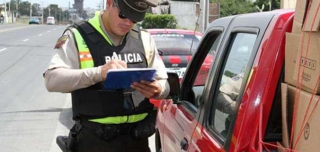 Los policías podrían citar a los conductores. Foto: Ministerio del Interior (ahora Gobierno)