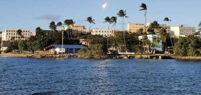 El meteoro se vio desde casi toda la isla, según los reportes. Foto:Twitter