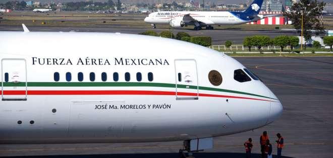 El avión presidencial de México, en el aeropuerto Benito Juárez de la capital. Foto: AP