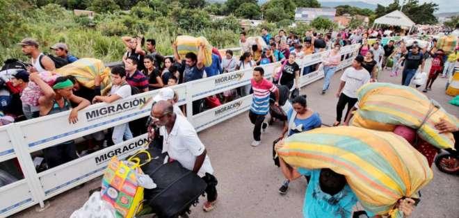 La ONU asegura que desde 2015 han salido unos 4,5 millones de venezolanos de su país. Foto: AFP