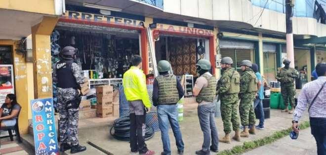 Decomisan municiones en dos ferreterías de Quinindé. Foto: Redes