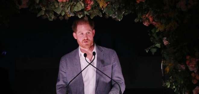 El príncipe Harry habló este domingo por primera vez públicamente sobre la decisión que tomó.