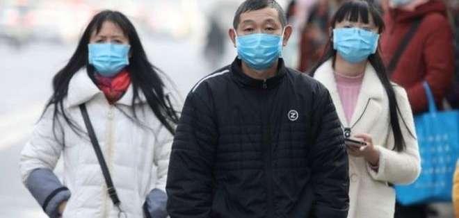 Las autoridades chinas aseguran que no ha habido casos de propagación del virus de una persona a otra. Foto: EPA