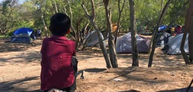 Los niños sufren condiciones muy precarias en el campamento. Foto: EPA
