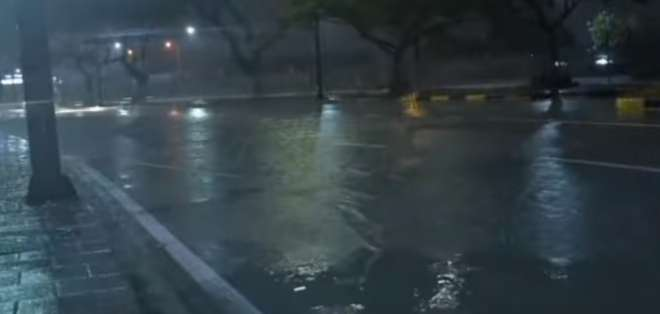 Durante la madrugada de este martes se registró una fuerte lluvia en Guayaquil y Durán. Foto: captura de pantalla