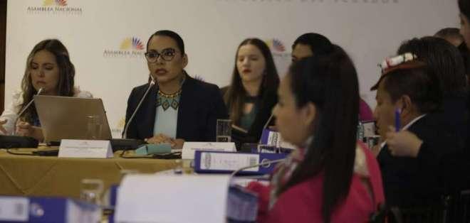 QUITO, Ecuador.- Diana Atamaint durante su comparecencia en la Comisión de Fiscalización. Foto: API