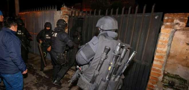 5 detenidos por tráfico de combustible en la frontera norte. Foto: Presidencia