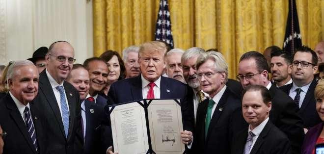 El presidente de EE.UU. sigue con sus actividades a pesar del proceso. Foto: DREW ANGERER / GETTY IMAGES NORTH AMERICA / AFP