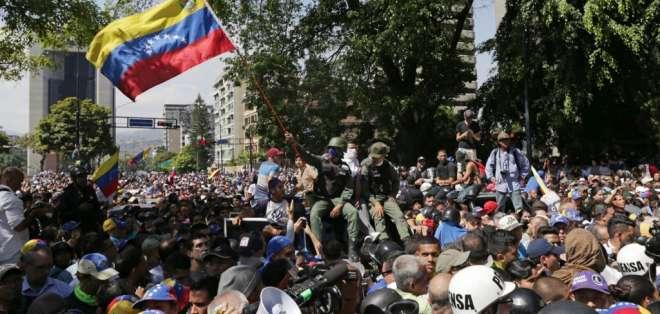El año anterior miles de venezolanos marcharon contra el gobierno de Nicolás Maduro. Foto: AFP