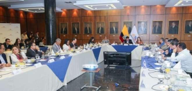 La reunión se dio durante la semana en el edificio legislativo. Foto: asambleanacional.gob.ec/