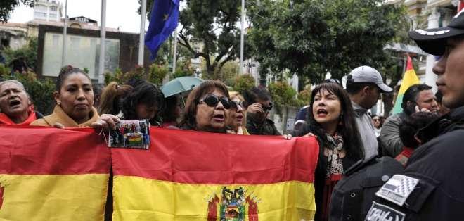El país se encuentra en una etapa de transición tras la salida de Evo Morales del poder. Foto: JORGE BERNAL / AFP