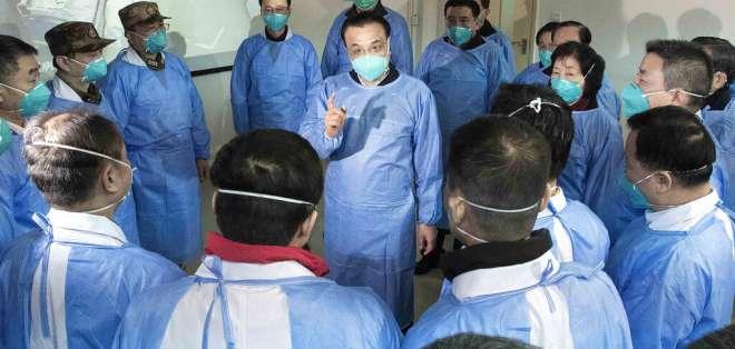 El balance del coronavirus en China sube a 106 muertos. Foto: AP