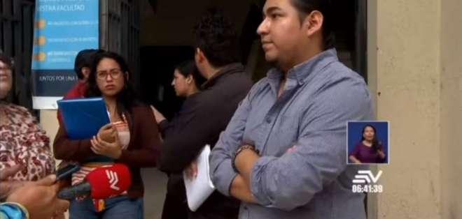 Los universitarios hablan de pérdidas de notas, que no aparecen en el sitio de custodia. Foto: Captura