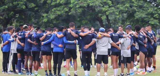Jugadores de Emelec durante un entrenamiento. FOTO: CSEmelec