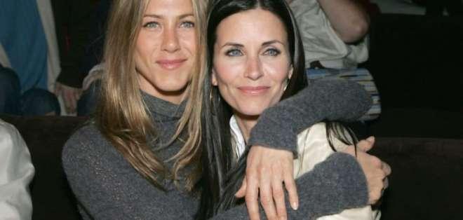 Jennifer Aniston and Courteney Cox.