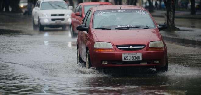 Las autoridades de Gestión de Riesgos del Municipio de Guayaquil monitorean la ciudad. Foto: API