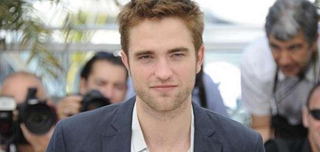 Robert Pattinson aparece con el nuevo traje del súperheroe. Foto: Archivo