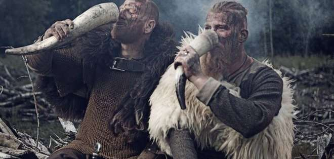 El consumo de un té alucinógeno podría explicar la legendaria ausencia de miedo entre los guerreros vikingos. ISTOCK