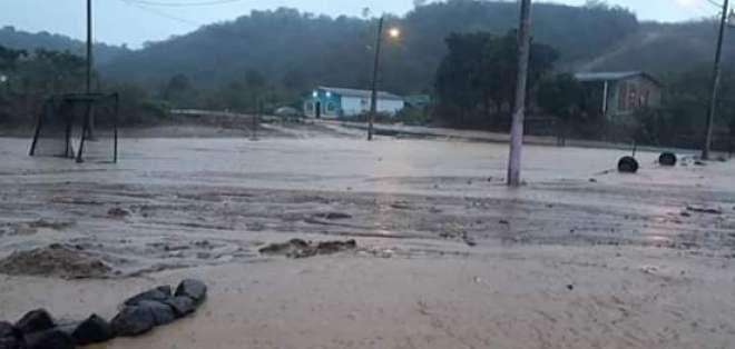 Intensas lluvias en Manabí.