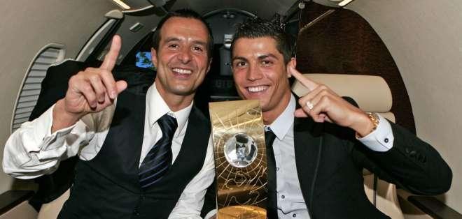 Jorge Mendes junto a Cristiano Ronaldo, luego de una gala de la FIFA. FOTO: Instagram