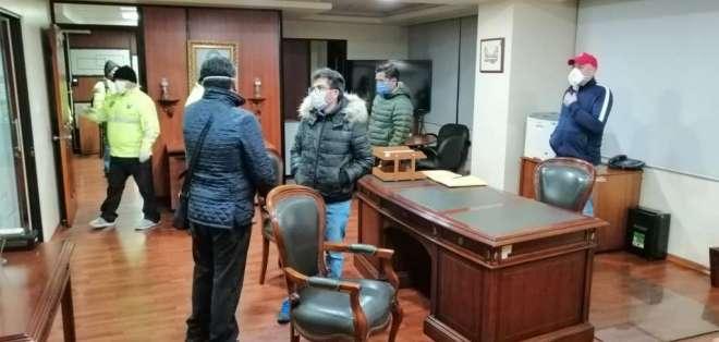 La Fiscalía investiga a funcionarios del IESS. Foto: Fiscalía