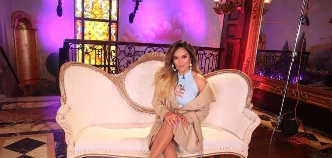 La cantante Karol G, en una entrevista con la agencia EFE. Foto: EFE