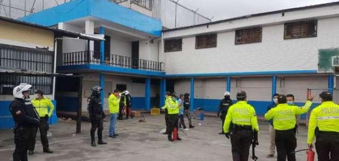Policía Nacional en una de las cárceles del país.